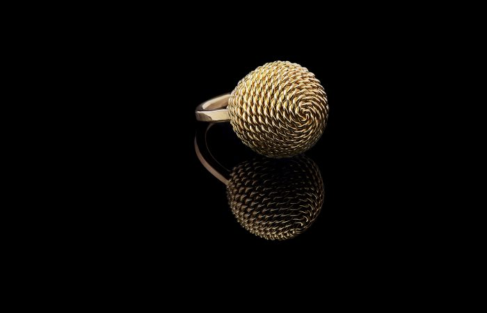 Handgemaakte ring van goud
